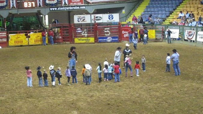 800px-MVI_3002_Young_children_at_Fort_Worth_Rodeo_2-27-10